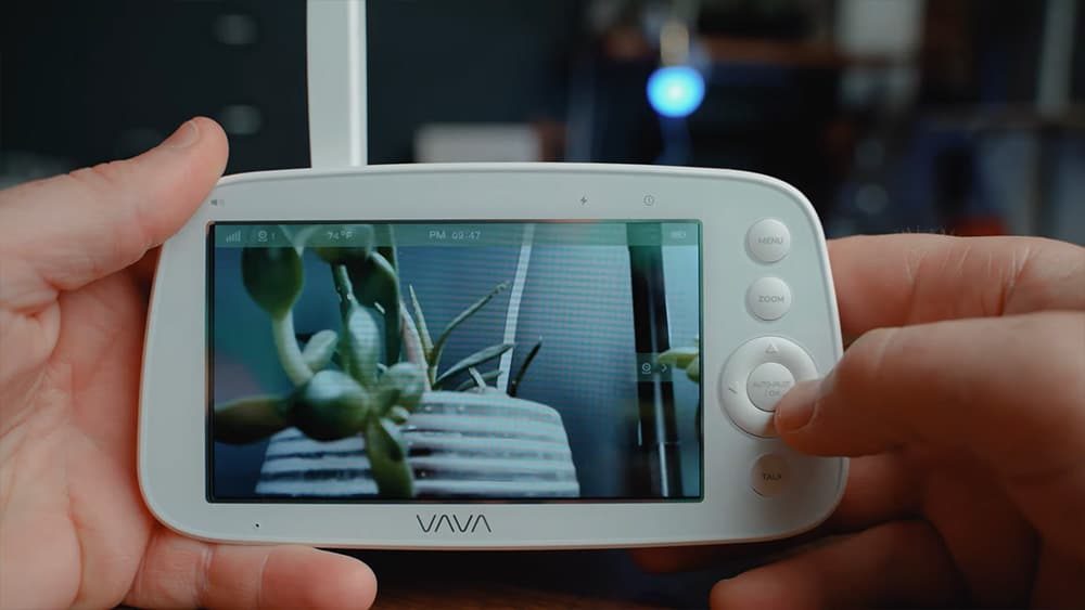 Vava Video Baby Monitor: Is fed to 1280 by 720 monitor with a frame rate of about 18 frames per second.